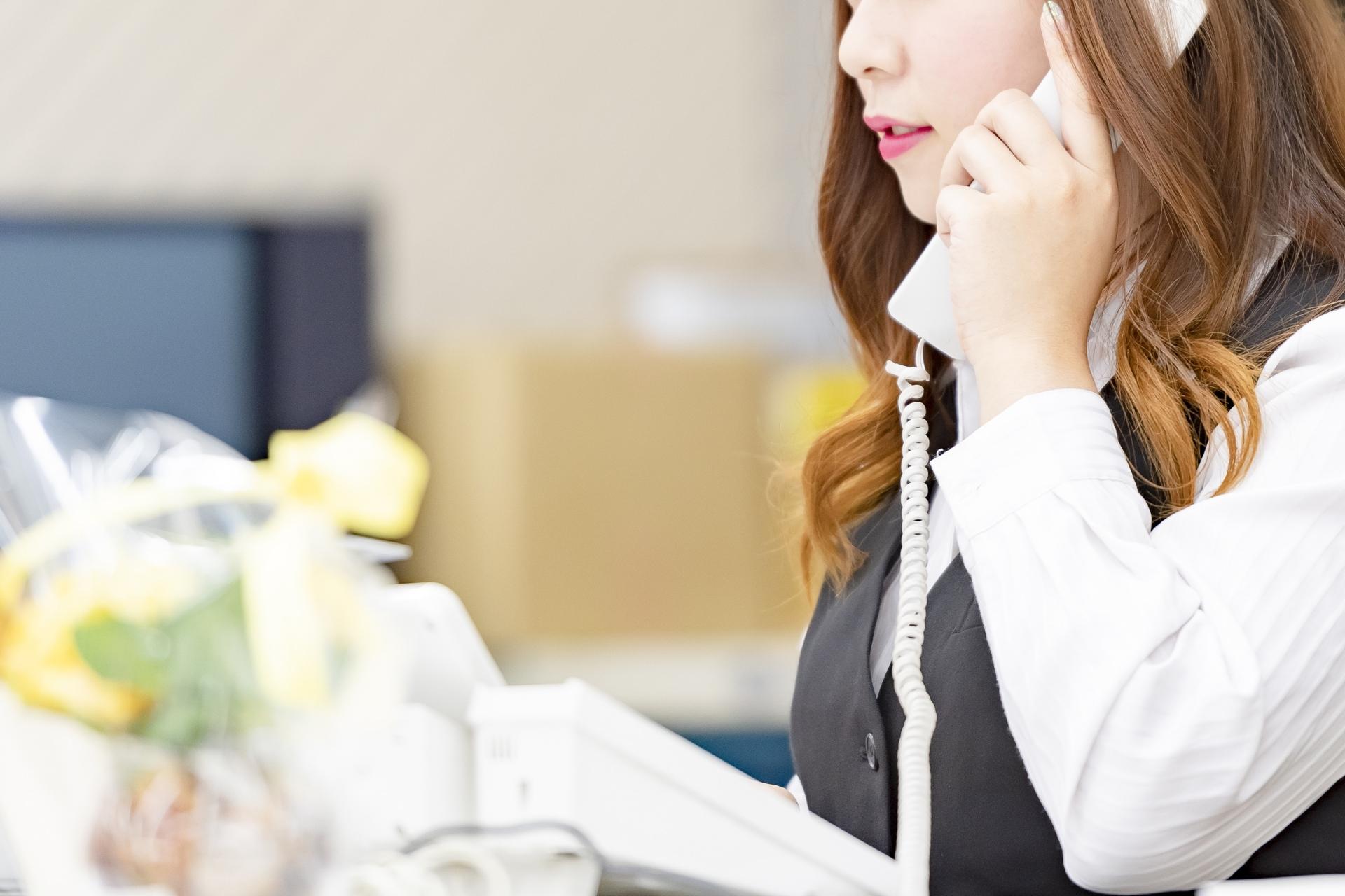 中小企業こそ電話代行サービスを利用すべき